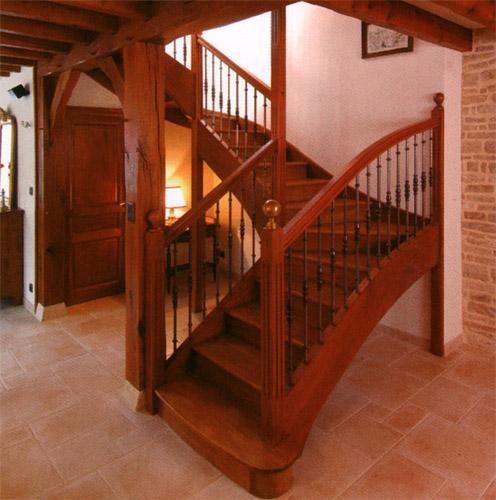Echelles 84 escaliers echafaudage for Achat escalier bois