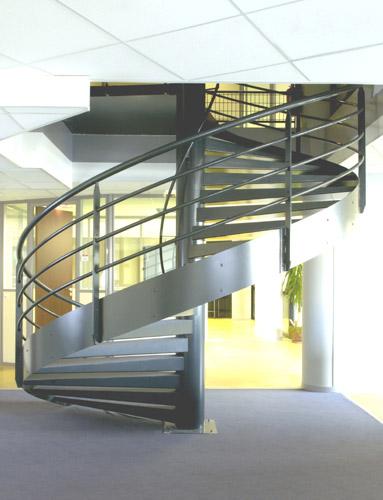echelles 84 escaliers echafaudage. Black Bedroom Furniture Sets. Home Design Ideas